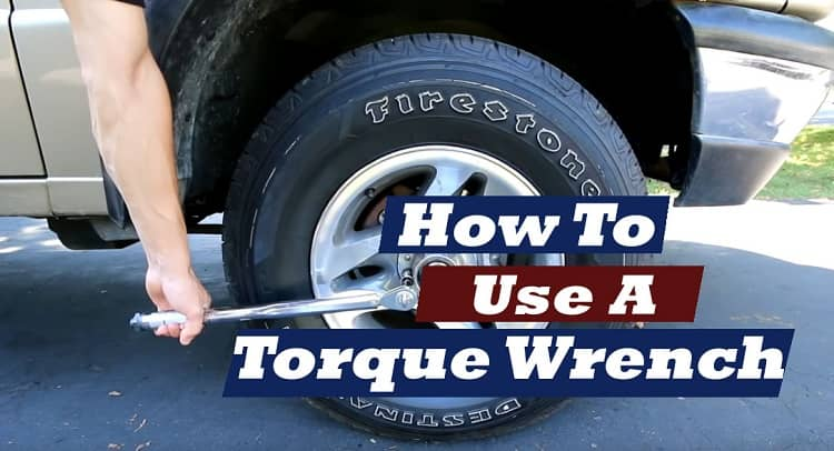 how to use a torque wrench for spark plugs
